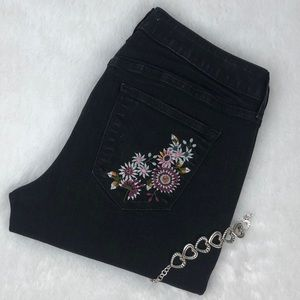 Sonoma Embroidered Black Skinny Jeans